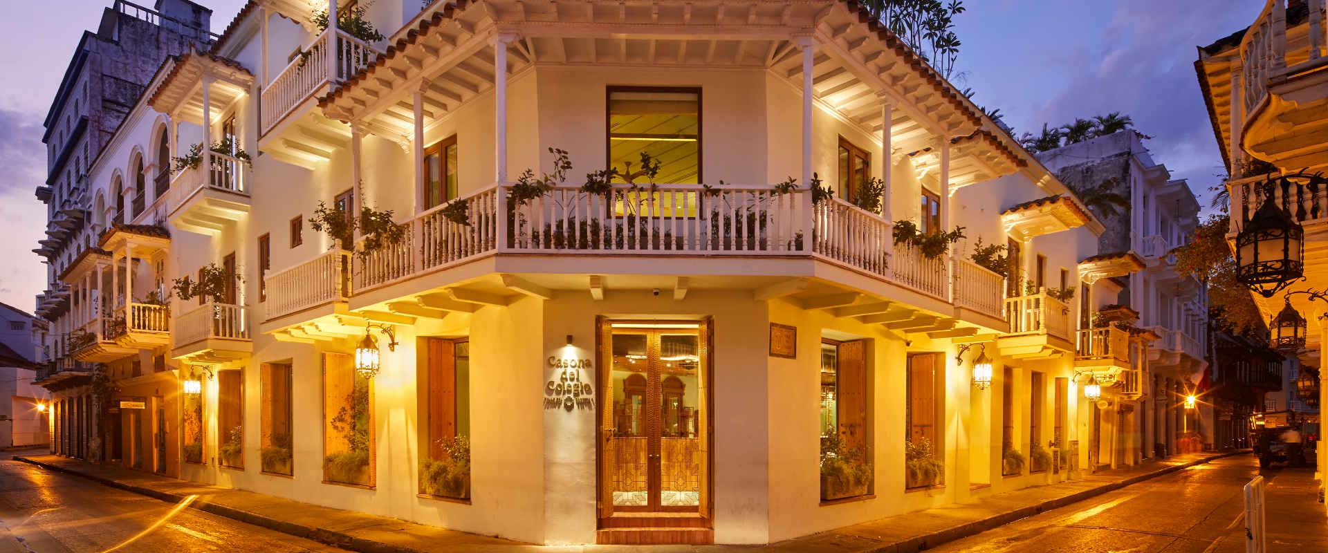 Live your own story in the  magic cartagena de indias casona del colegio hotel